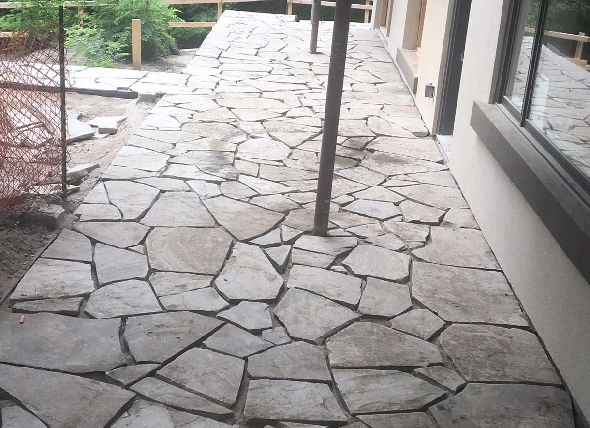 Natural stone. Dry lay flagstone.